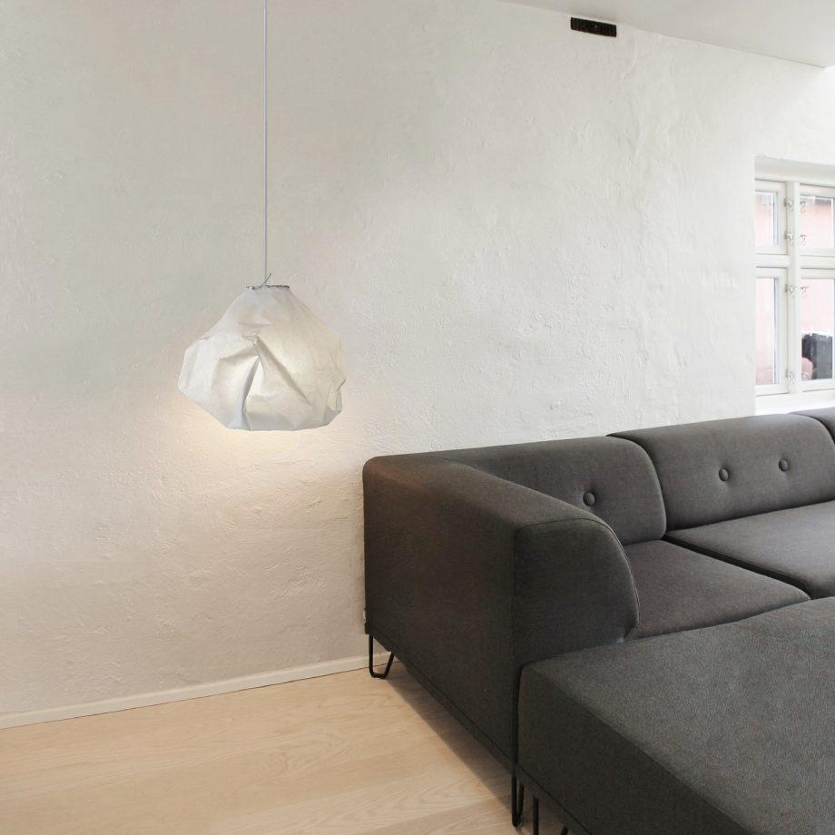 B7-sejldugslampe-med hvid-lædersnøring